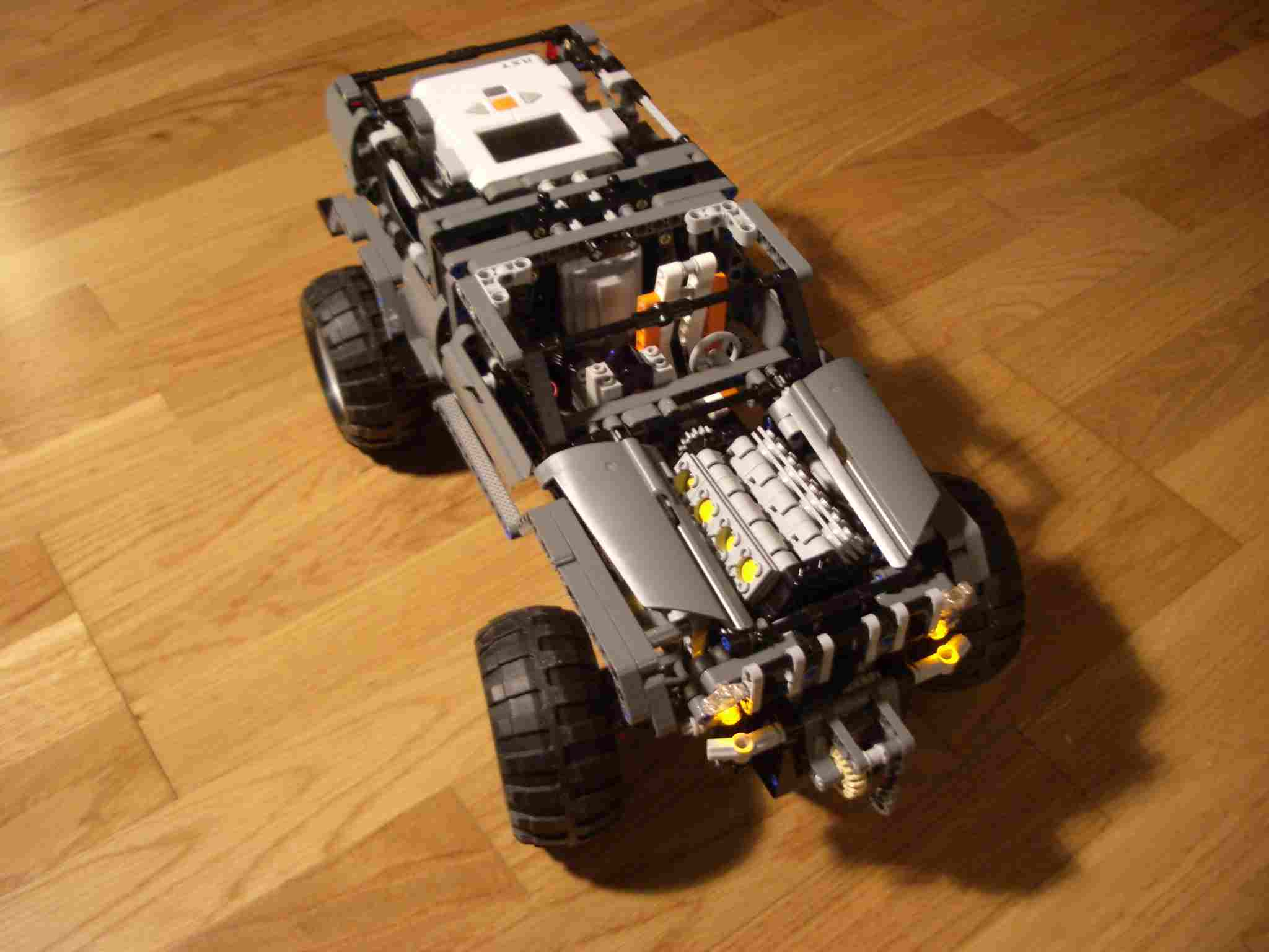 Extreme Offroader con 8 LEDs para Mindstorm NXT